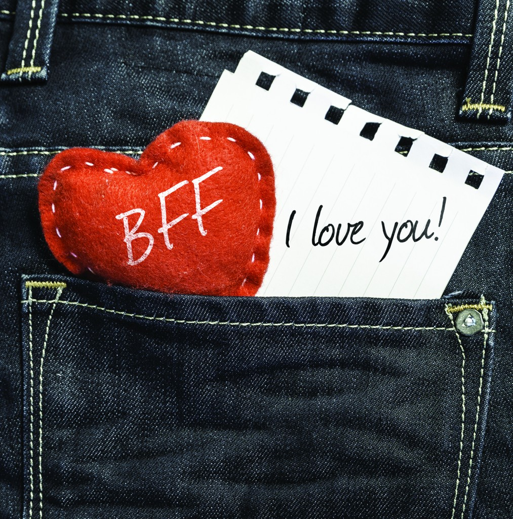 BFF I love you! written on a peace of paper